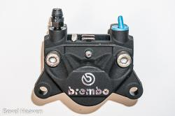 Brake Caliper - Brembo 32G BLACK - Top Opposing Inlet & Bleed