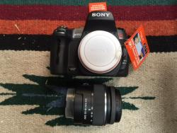Sony Alpha a550 14.2MP Digital SLR Camera - Black (Kit w/ DT SAM 18-55mm Lens)